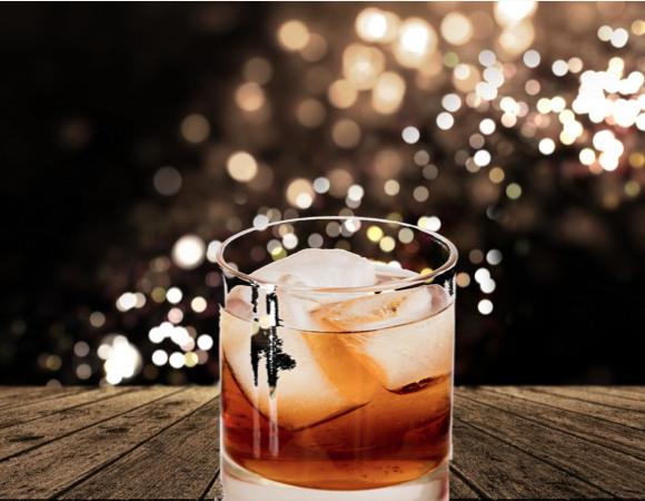 Godmother, il cocktail con Amaretto ed Iceberg vodka