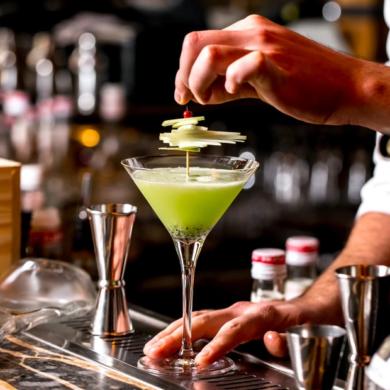 La mela verde e l'autunno in un cocktail